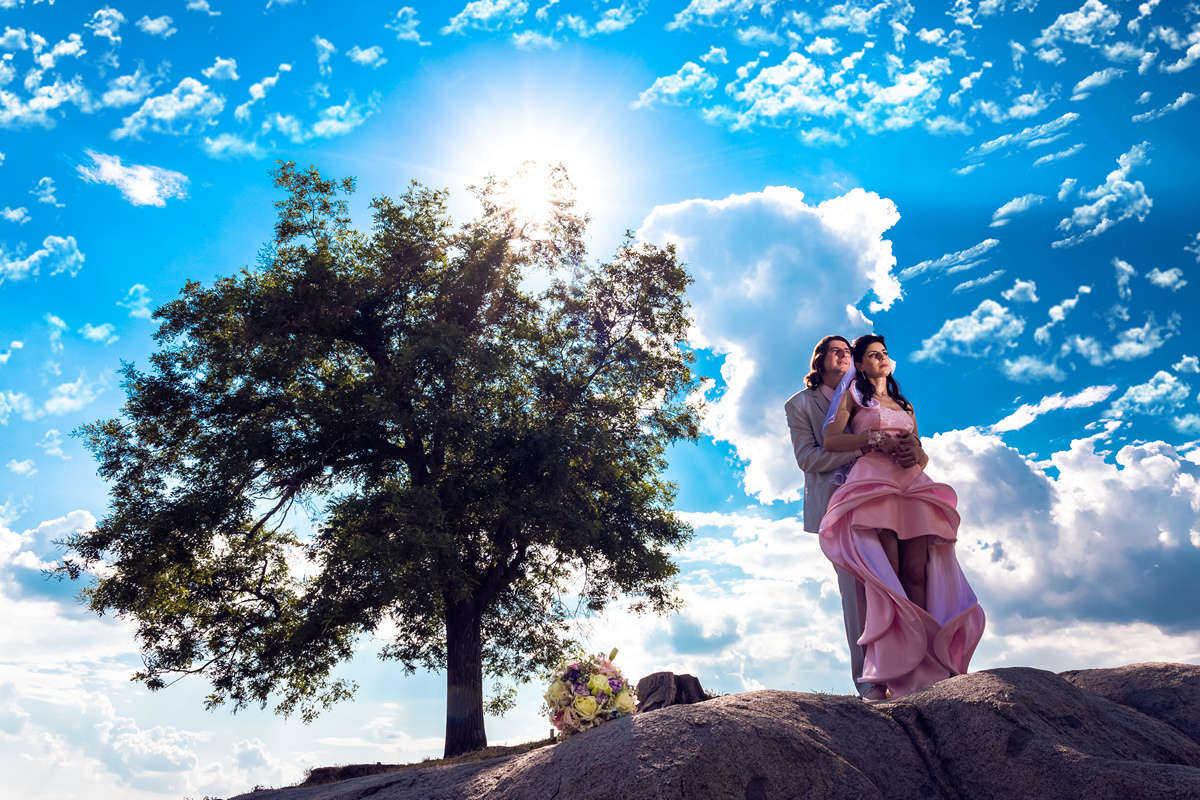 Моменти от сватбата на Ц&А. Сватбена фотография от професионален фотограф Иван Банчев.